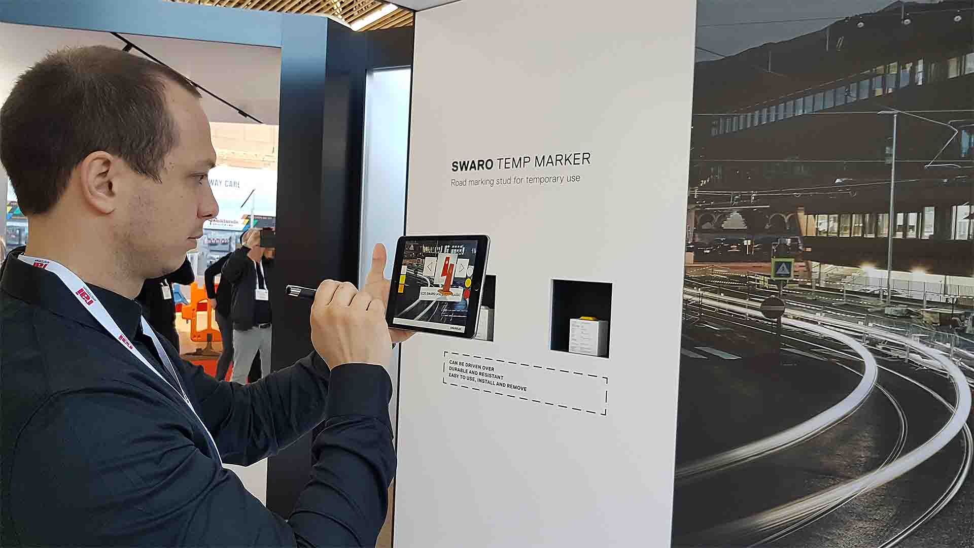 Swareflex erweitert mit Augmented Reality seine Messestände und schafft dadurch mehr Interaktionsmöglichkeiten.